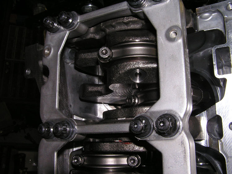 FLI custom built VG35 Nissan engine using Cosworth Rods and Pistons